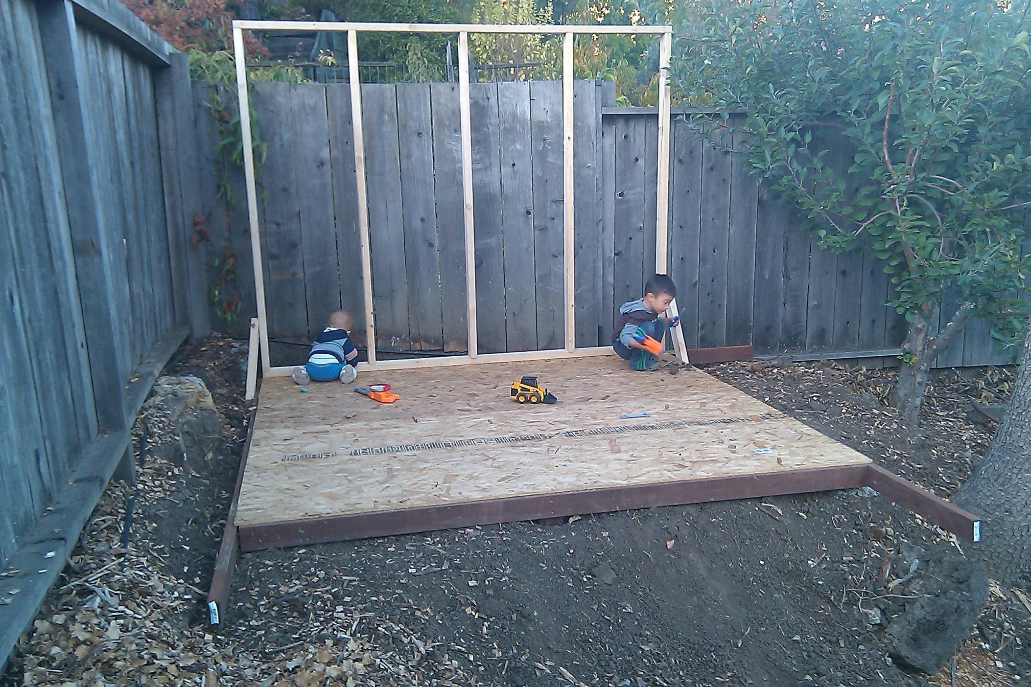 ^ modern-shed-playhouse-04  Marin Homestead