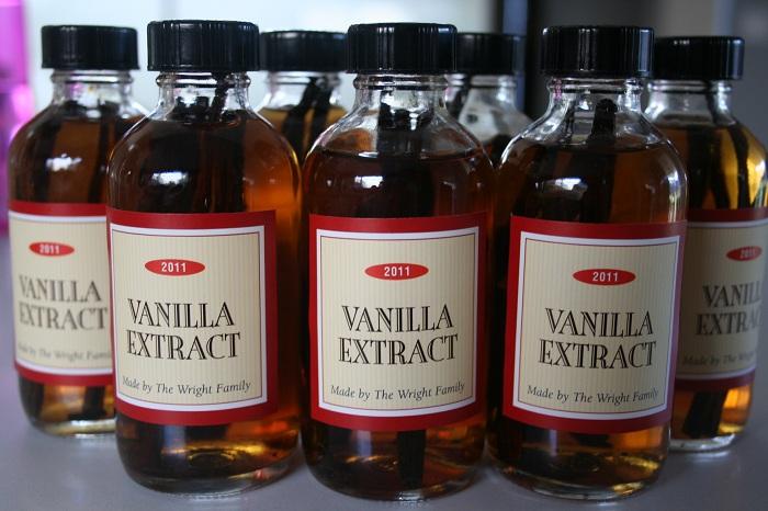 How to Make Homemade Vanilla Extract | Marin Homestead
