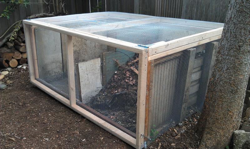 Rat-proof compost bin